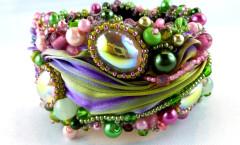 armband-armschmuck-bracelet-bead-embroidery-beadembroidery-pearlfactory-morgentau-2