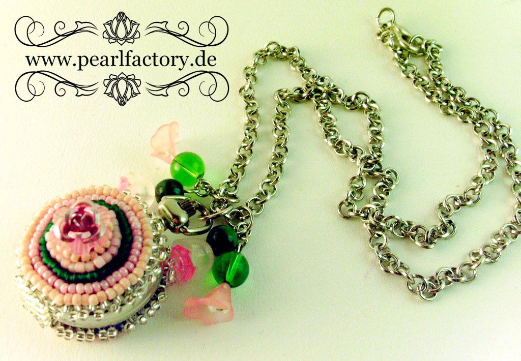romantic-uhr-taschenuhr-damenuhr-beadembroidery-bead_embroidery-pearlfactory