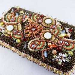 fran-2-bead_embroidery-beadembroidery-geldbeutel-portemonnaie-brieftasche-pearlfactory