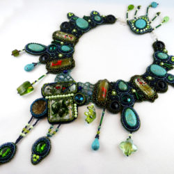 collier-halskette-perlencollier-bead-embroidery-beadembroidery-pearlfactory-retreat-2