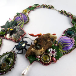 collier-halskette-bead_embroidery-beadembroidery-resin-pearlfactory-eden-1