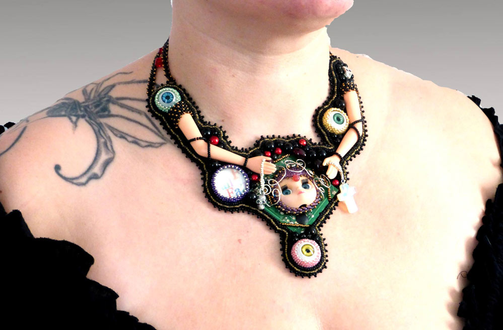 fail-collier-gothic-halskette-beadembroidery-bead-embroidery-pearlfactory-6