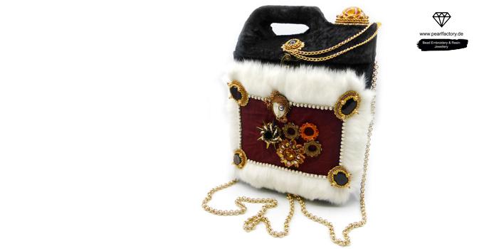 Elegante upcycling Handtasche, Gothic Schultertasche mit Kette
